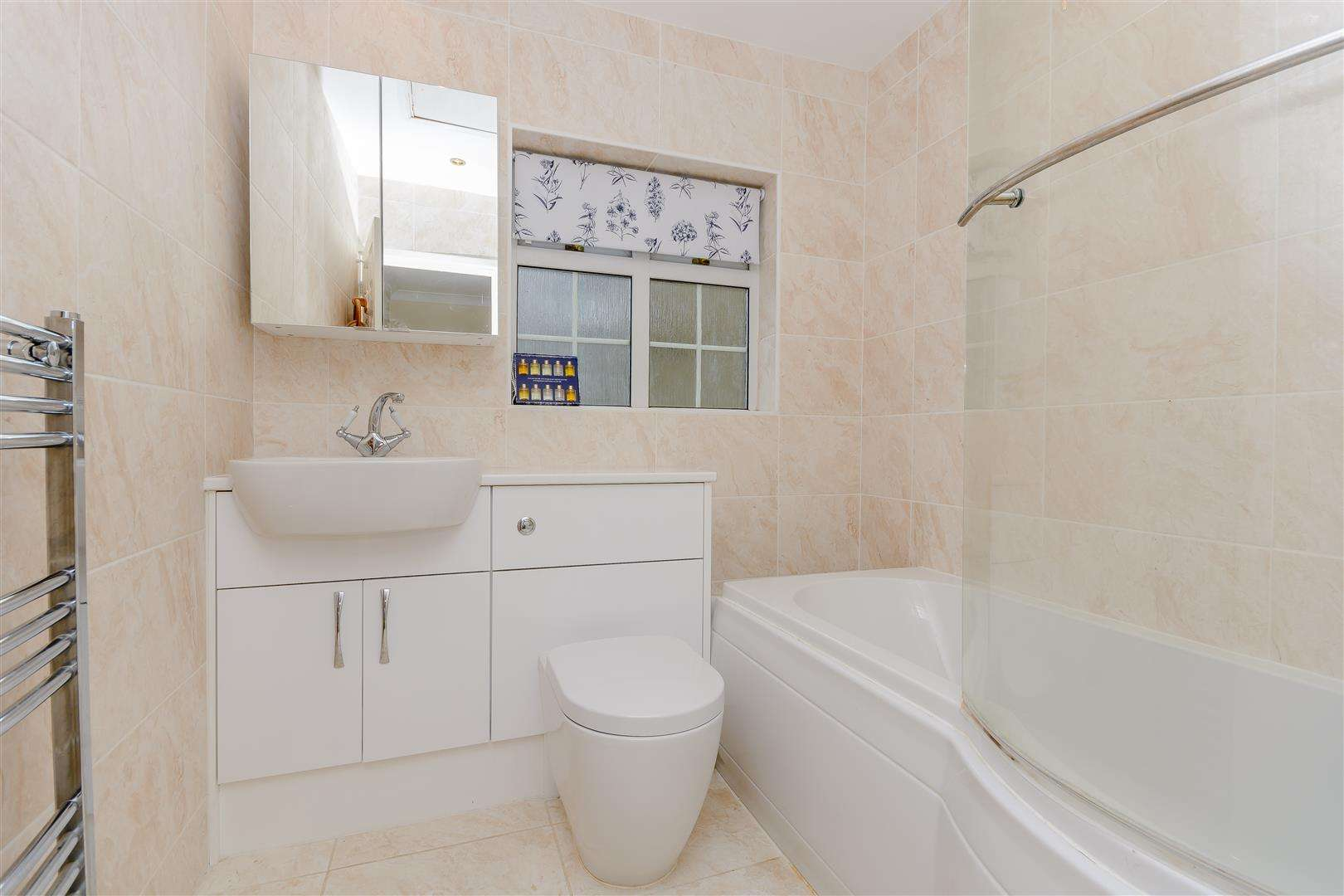 4 bed for sale in Merry Hill Road, Bushey - (Property Image 10)