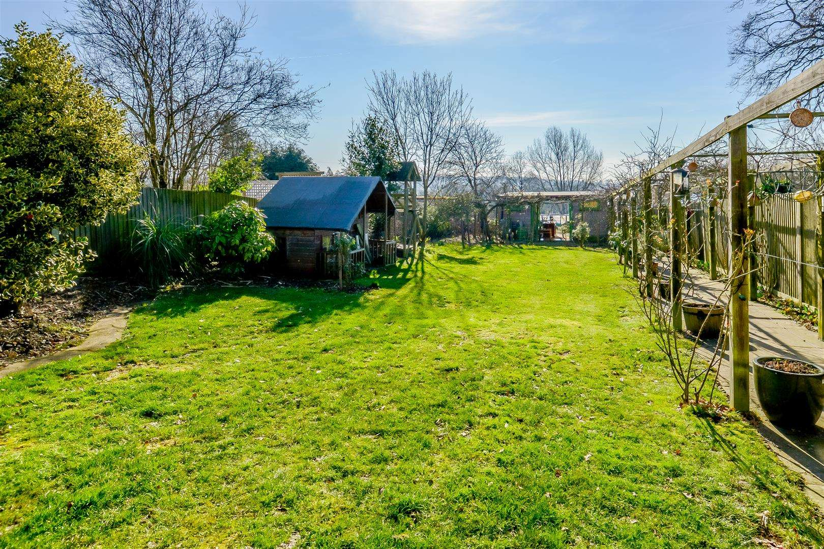 4 bed for sale in Merry Hill Road, Bushey - (Property Image 14)