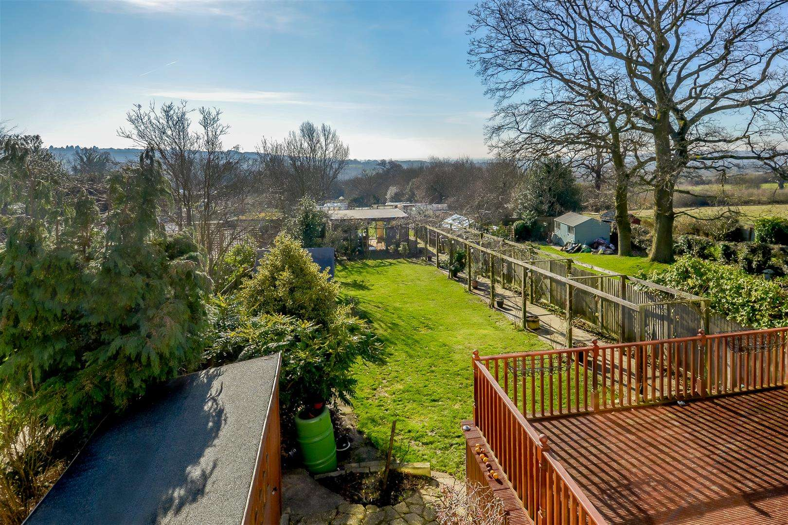 4 bed for sale in Merry Hill Road, Bushey - (Property Image 16)