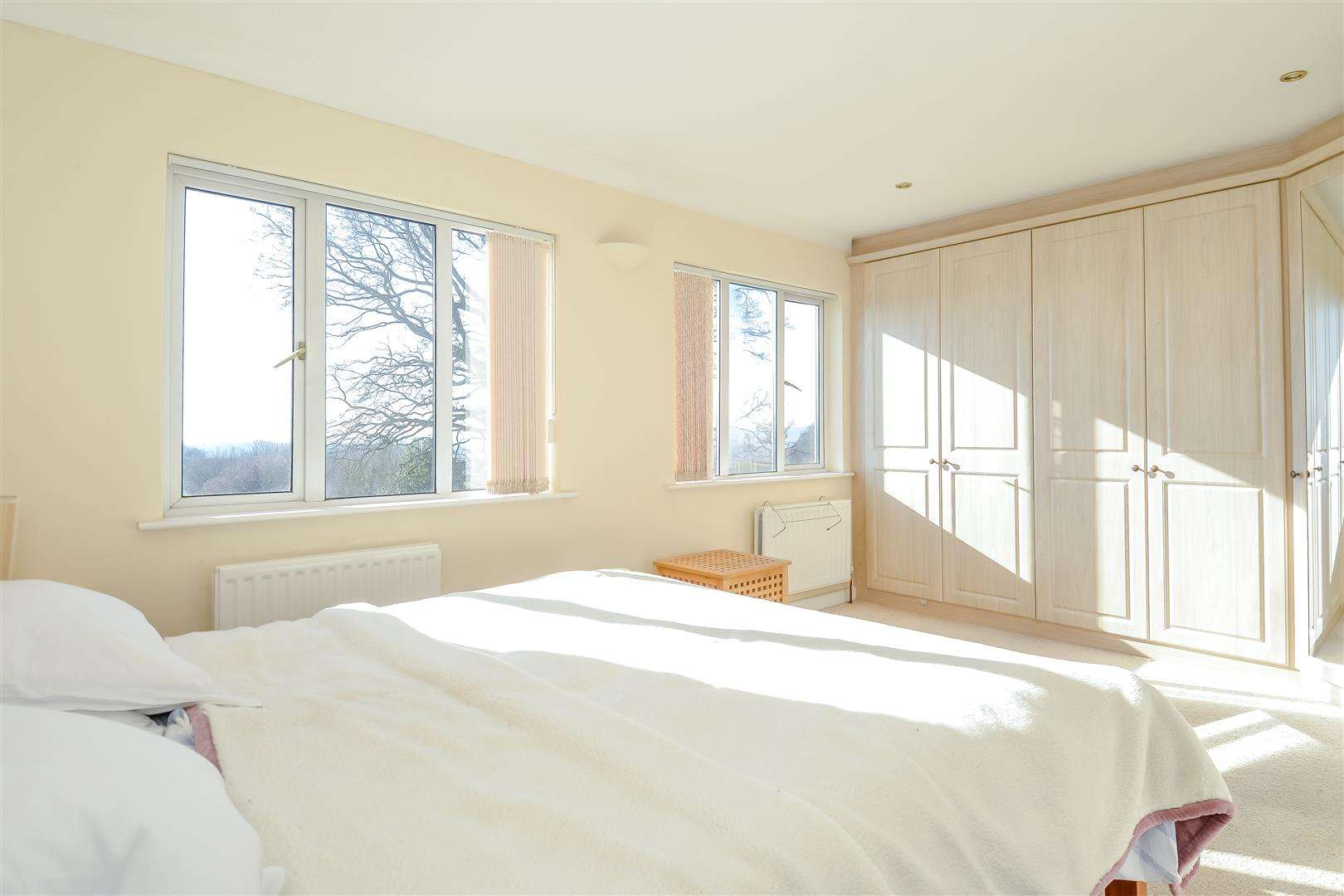 4 bed for sale in Merry Hill Road, Bushey - (Property Image 7)