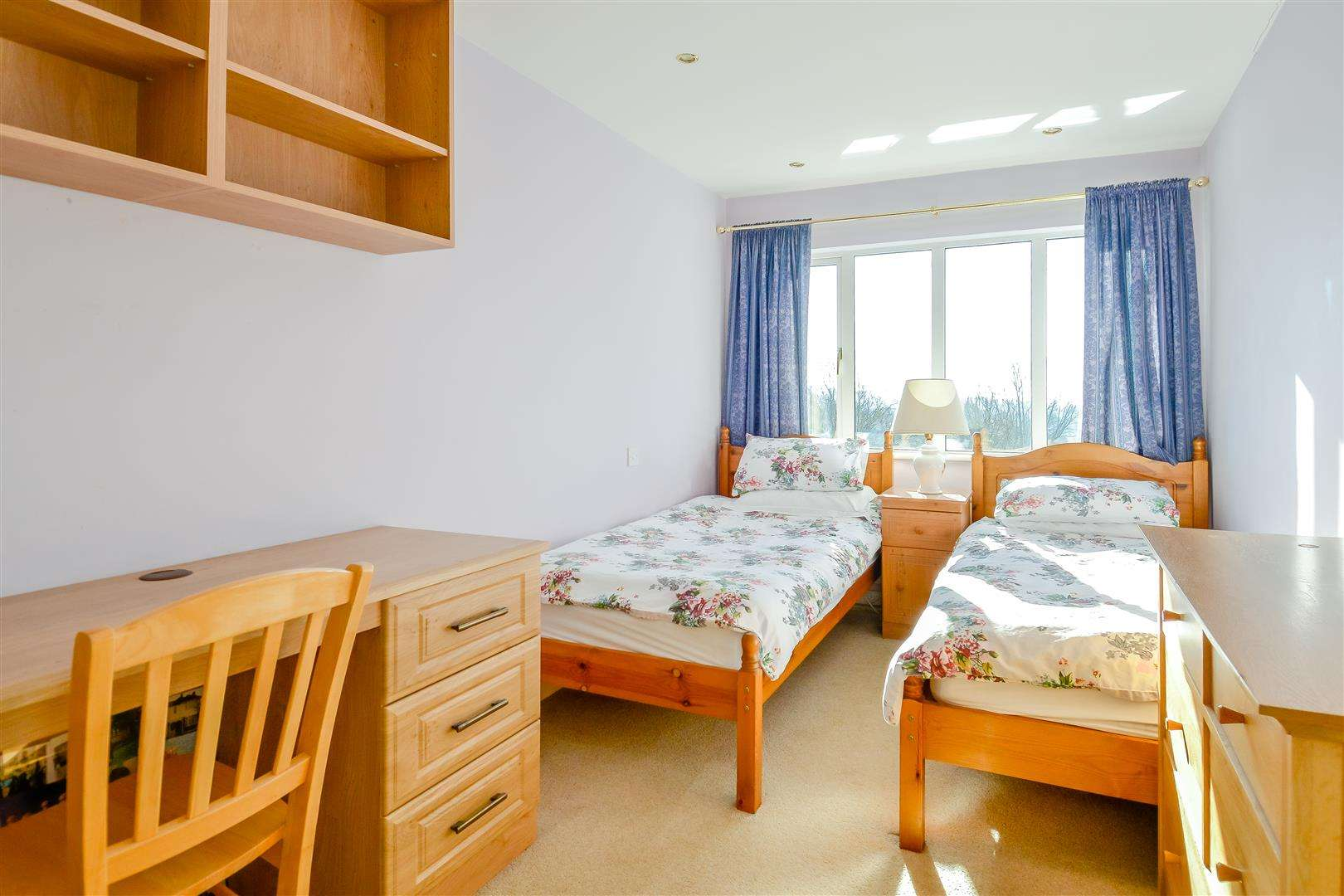 4 bed for sale in Merry Hill Road, Bushey - (Property Image 9)