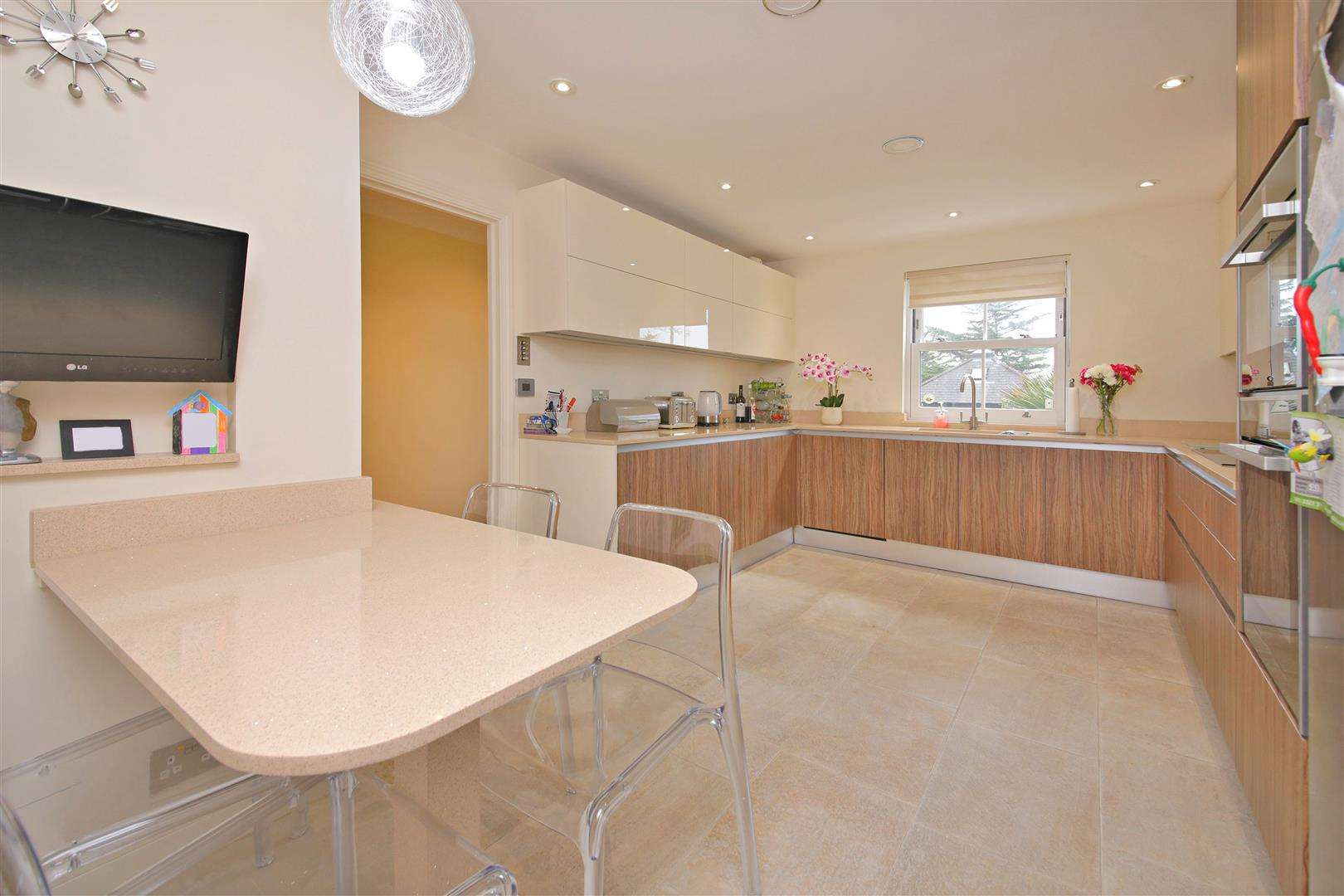 4 bed to rent in Shenley - (Property Image 1)