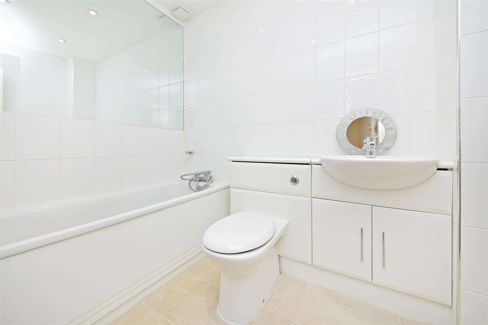 4 bed to rent in Shenley - (Property Image 12)