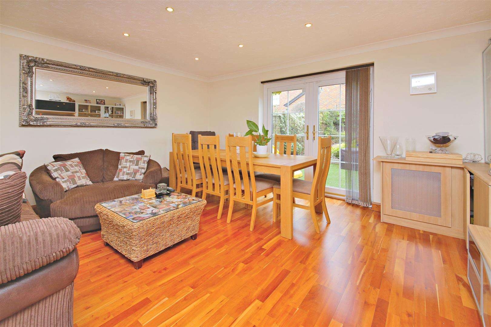 4 bed to rent in Shenley - (Property Image 2)