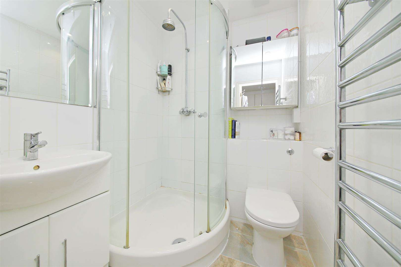 4 bed to rent in Shenley - (Property Image 9)
