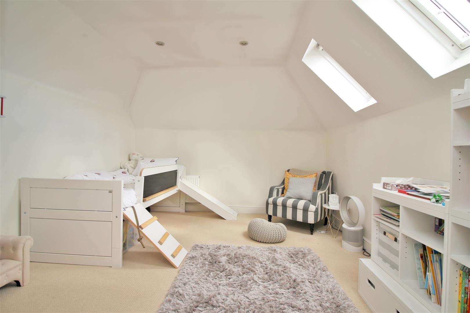 4 bed to rent in Bushey Heath - (Property Image 13)