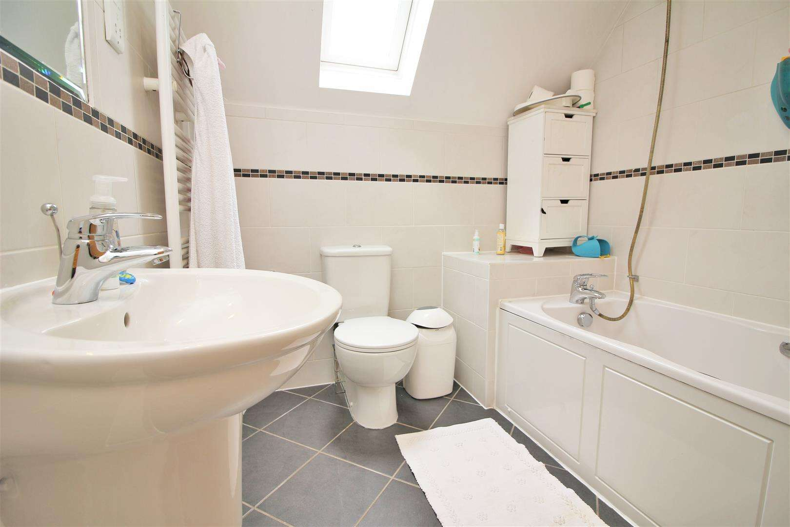 4 bed to rent in Bushey Heath - (Property Image 15)