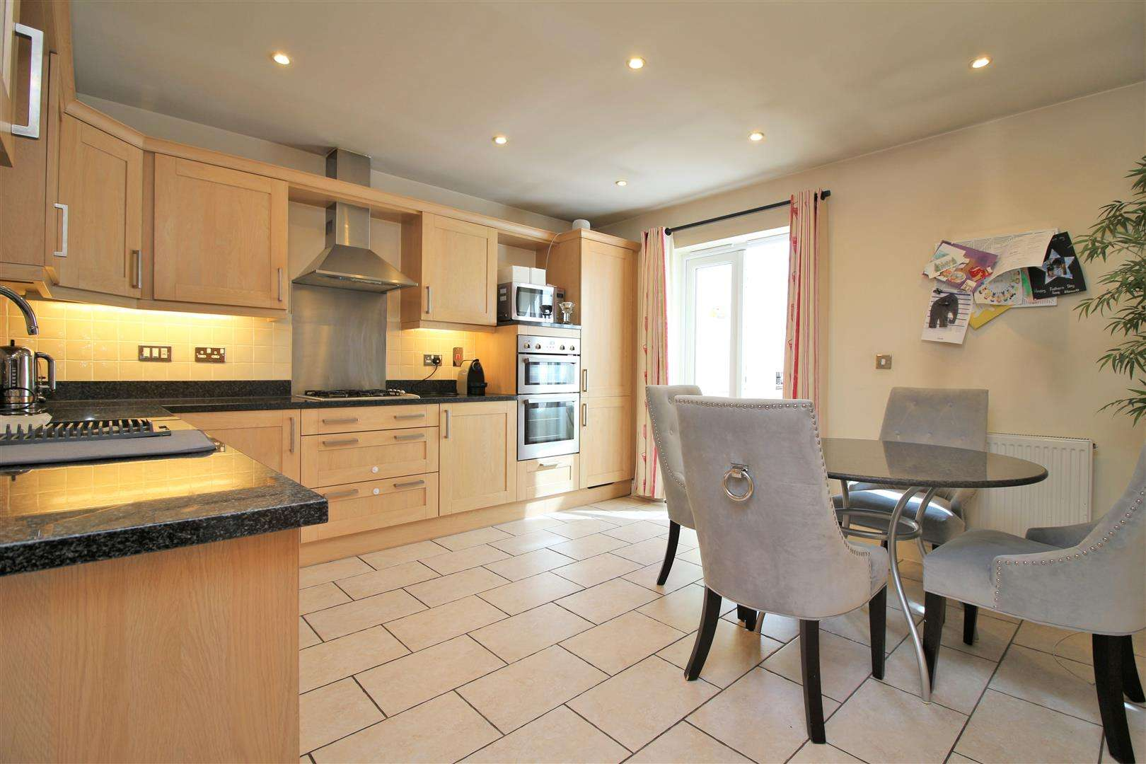 4 bed to rent in Bushey Heath - (Property Image 4)