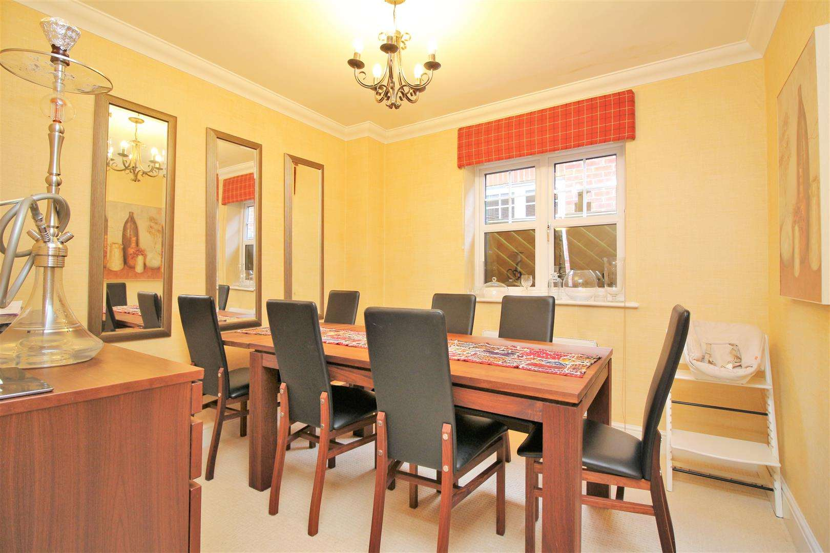 4 bed to rent in Bushey Heath - (Property Image 5)
