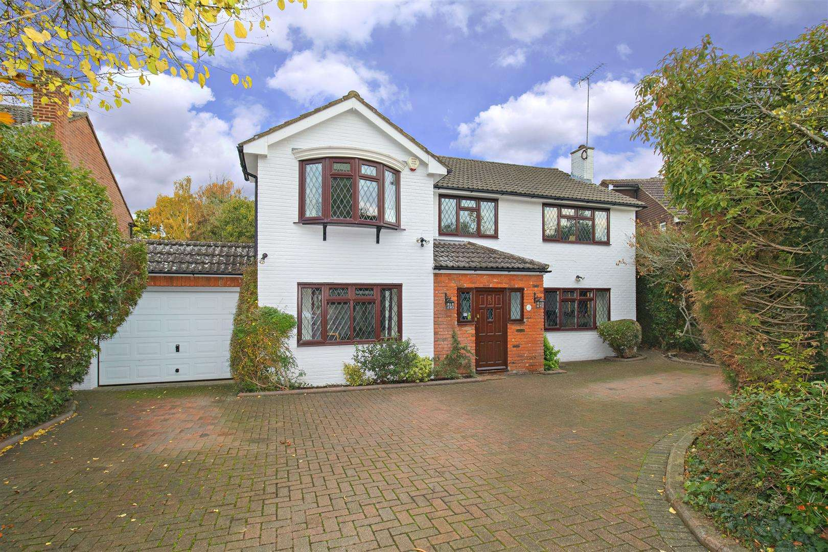 5 bed for sale - Property Image 1