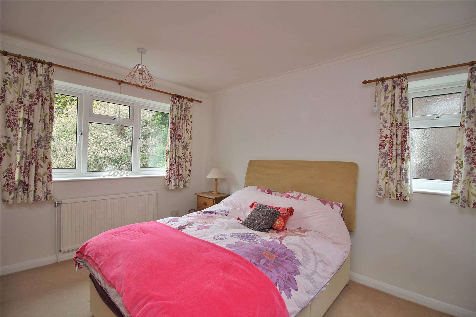 5 bed for sale - (Property Image 10)