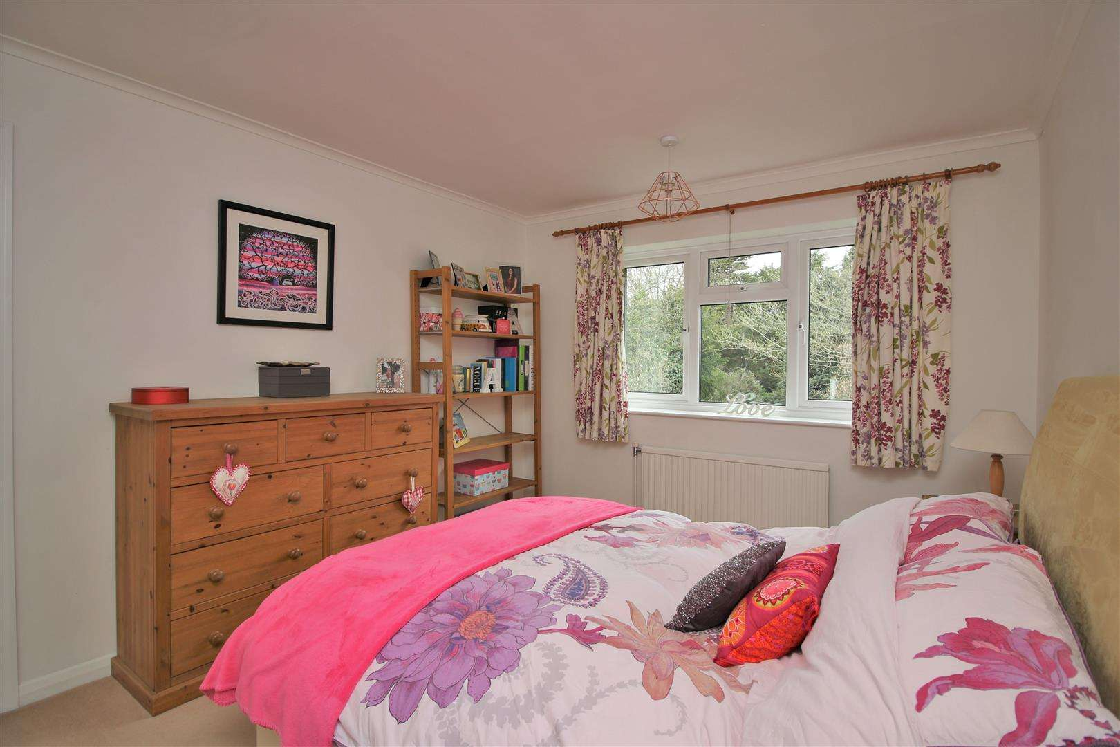 5 bed for sale - (Property Image 11)
