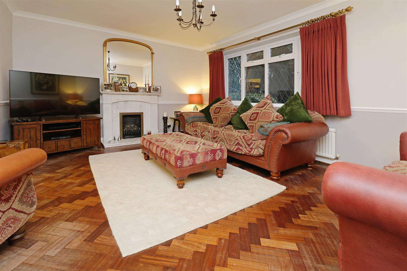 5 bed for sale - (Property Image 2)