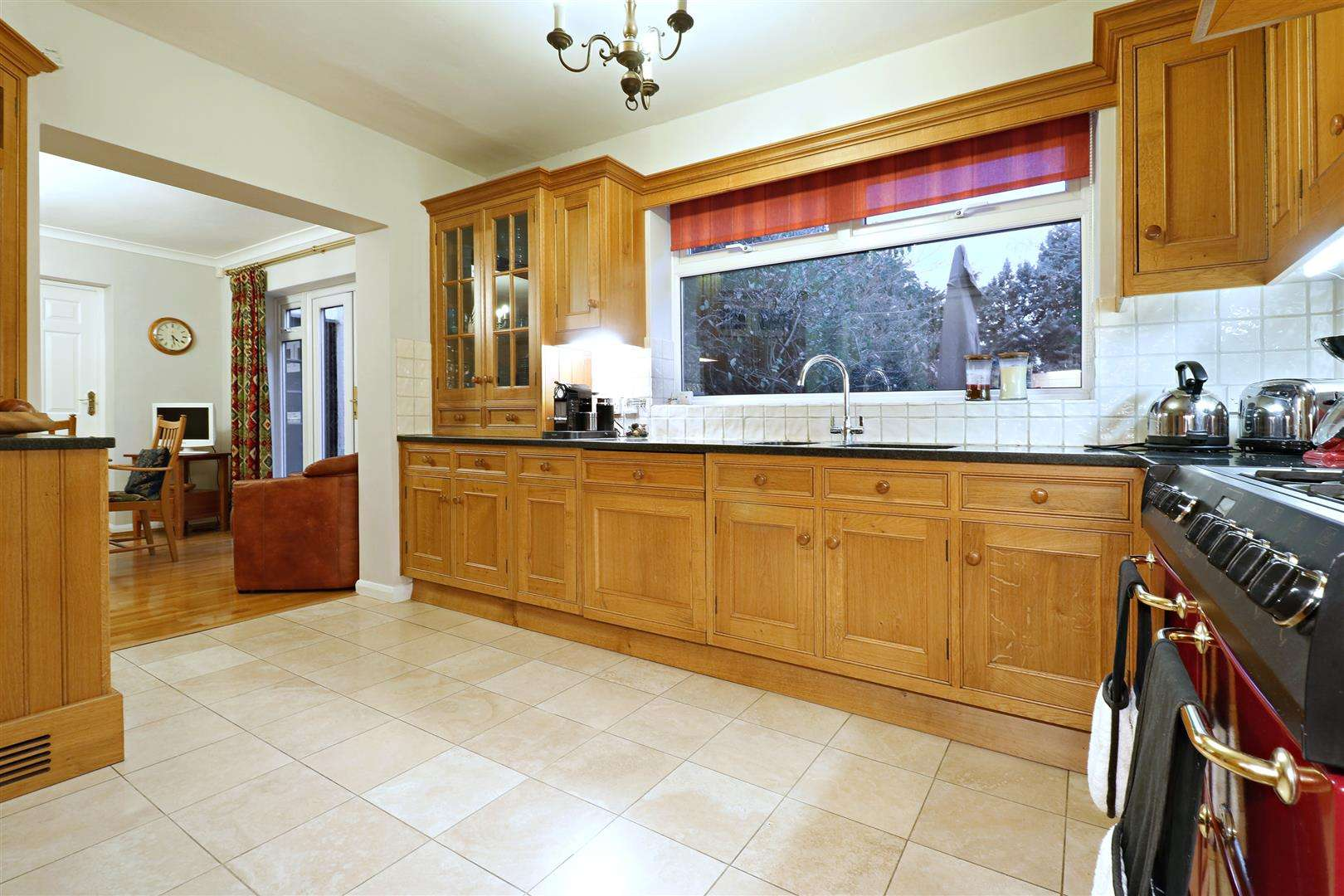 5 bed for sale - (Property Image 4)