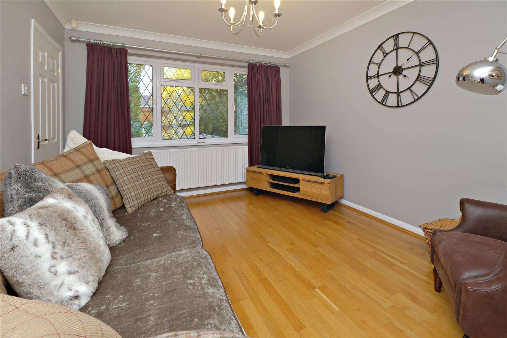 5 bed for sale - (Property Image 6)