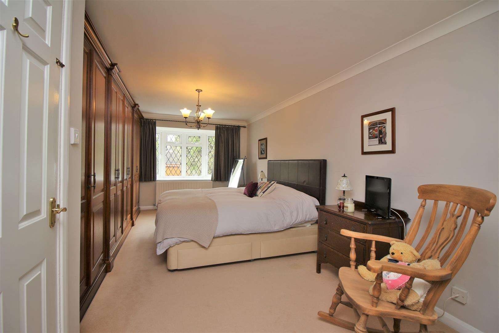 5 bed for sale - (Property Image 7)