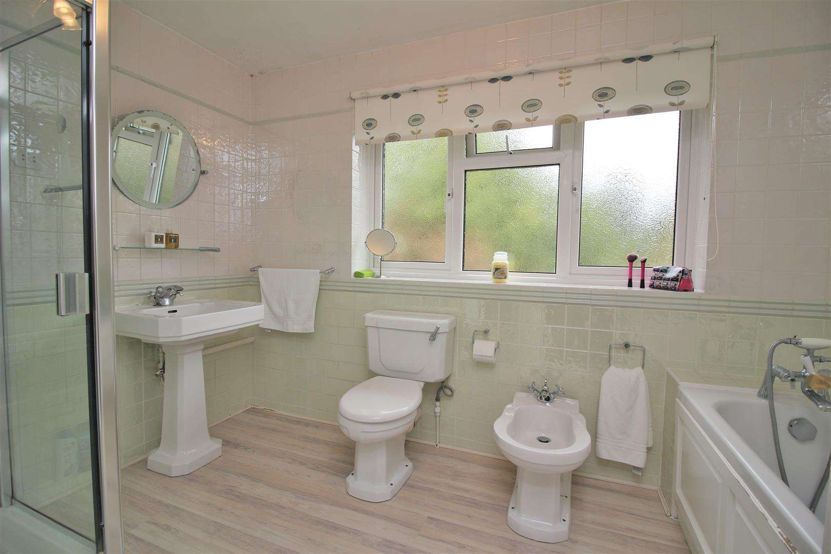 5 bed for sale - (Property Image 8)