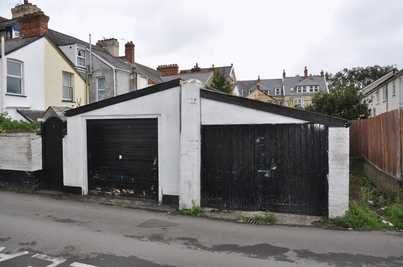 to rent in Victoria Lawn, EX32