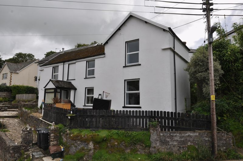 4 bed house to rent in Church Street  - Property Image 2
