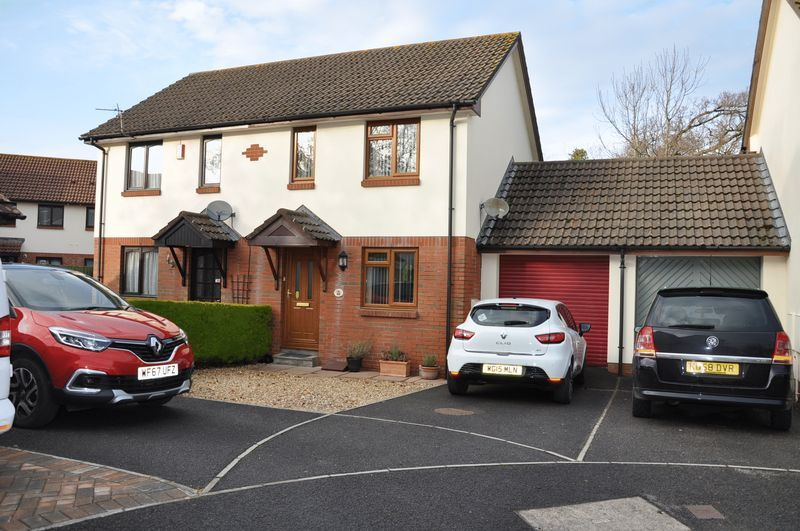 2 bed House to rent on Mulberry Way - Property Image 1