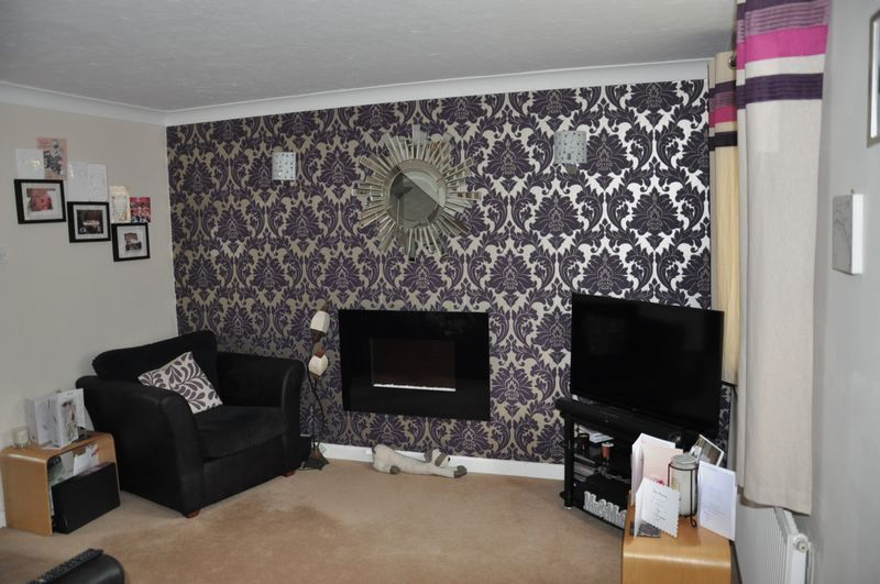 2 bed House to rent on Mulberry Way - Photo 2 (Property Image 1)