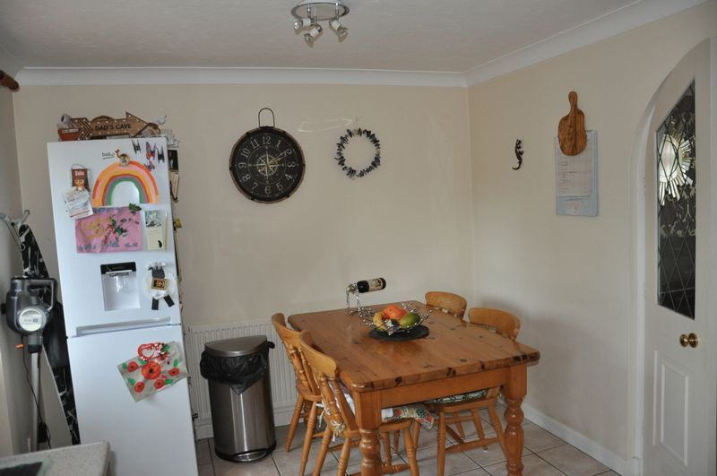 2 bed House to rent on Mulberry Way - Photo 6 (Property Image 5)