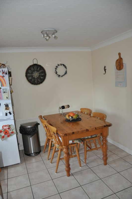 2 bed House to rent on Mulberry Way - Photo 7 (Property Image 6)