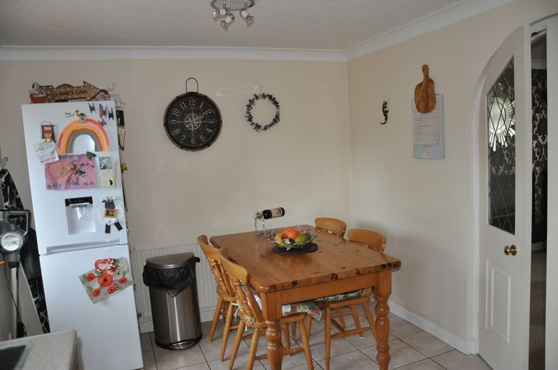 2 bed House to rent on Mulberry Way - Photo 8 (Property Image 7)