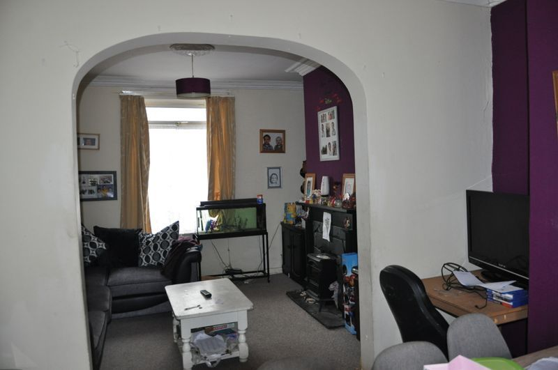 3 bed house for sale in Pulchrass Street  - Property Image 5