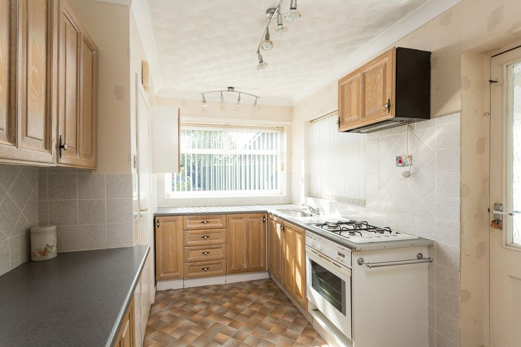 2 bed bungalow for sale in Hillcrest, Tadcaster  - Property Image 3