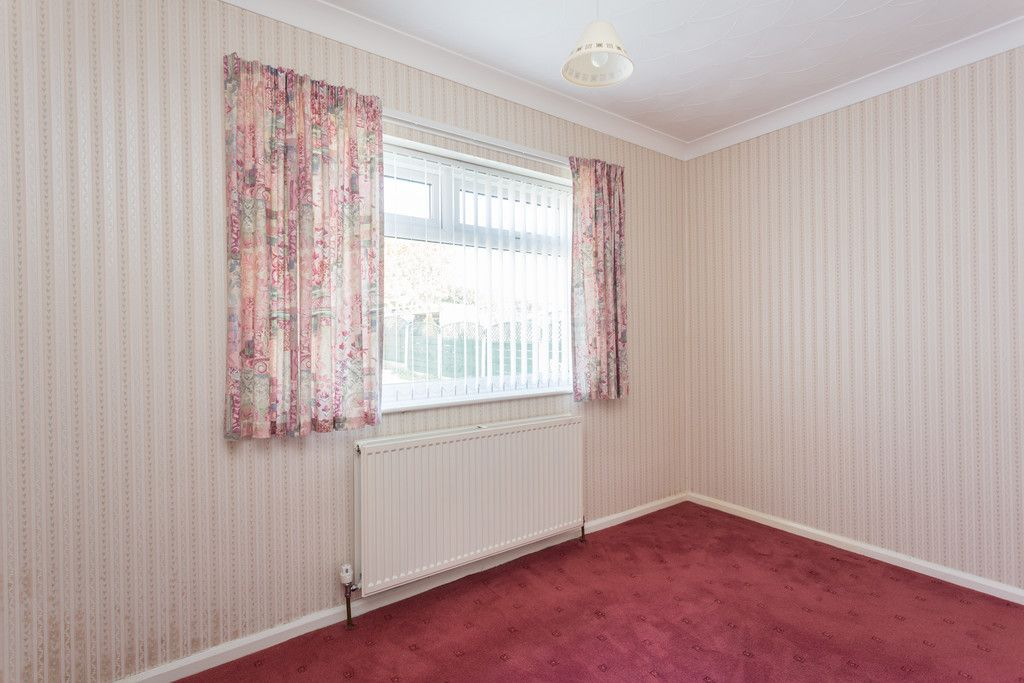 2 bed bungalow for sale in Hillcrest, Tadcaster  - Property Image 6