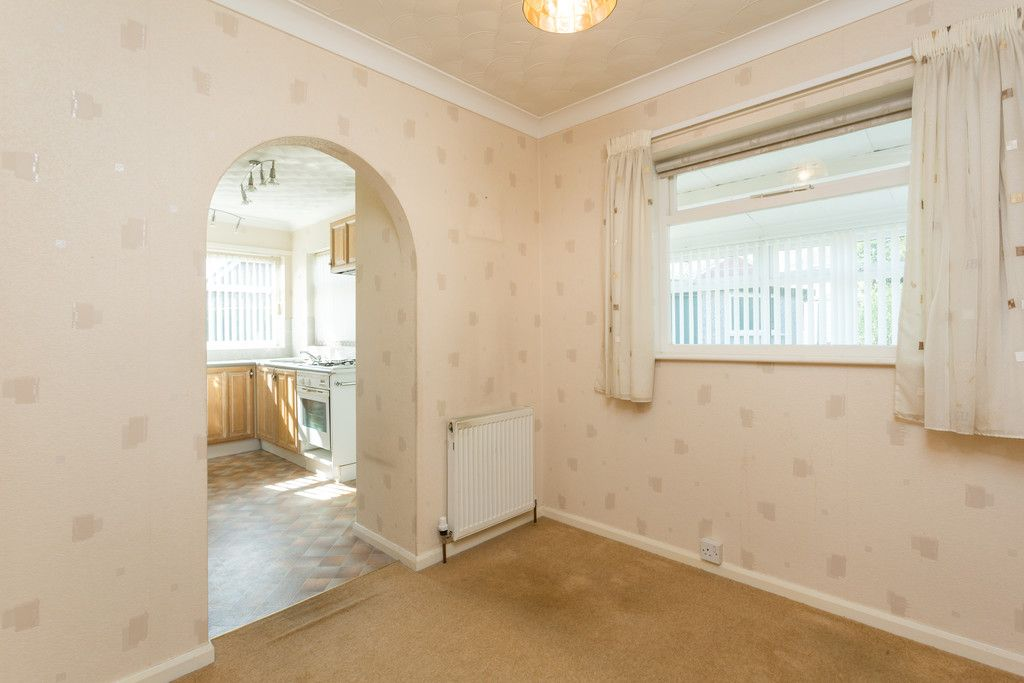 2 bed bungalow for sale in Hillcrest, Tadcaster  - Property Image 8