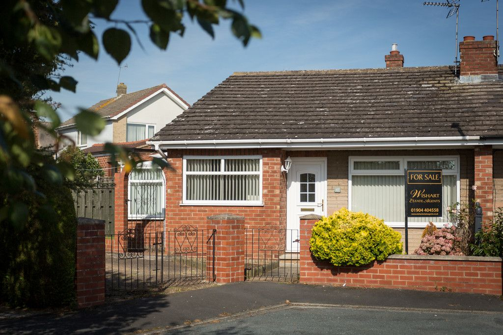 2 bed bungalow for sale in Hillcrest, Tadcaster  - Property Image 10