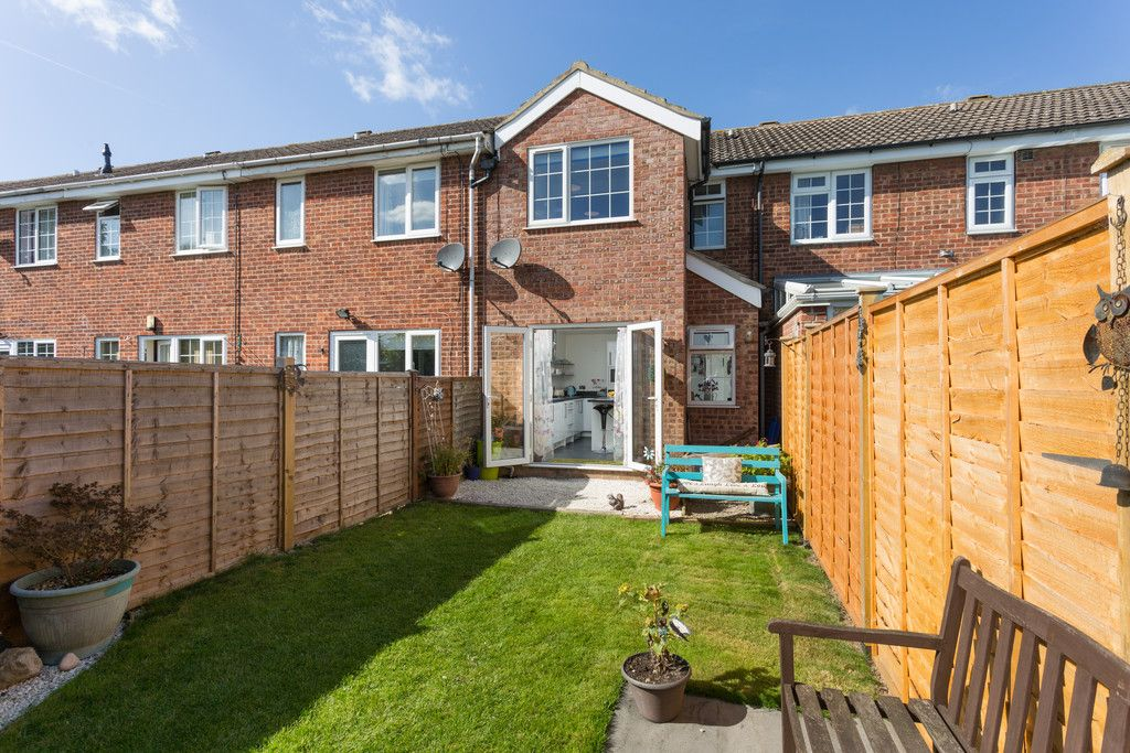 2 bed house for sale in Barons Crescent, Copmanthorpe  - Property Image 2