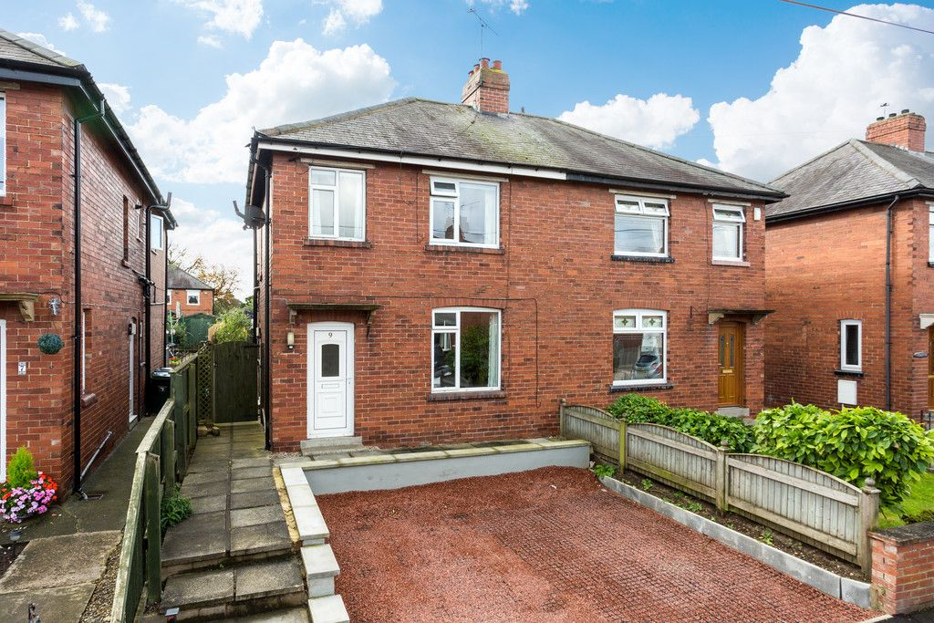 3 bed house for sale in Auster Bank Crescent, Tadcaster  - Property Image 1