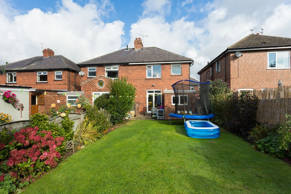 3 bed house for sale in Auster Bank Crescent, Tadcaster  - Property Image 3