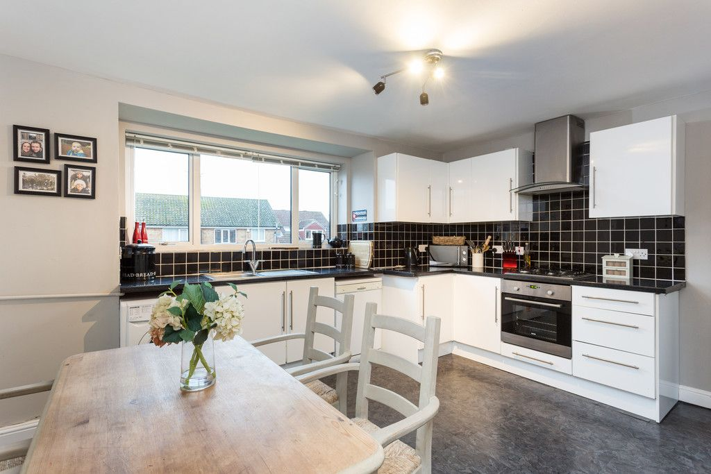 3 bed flat for sale in Queens Gardens, Tadcaster, LS24