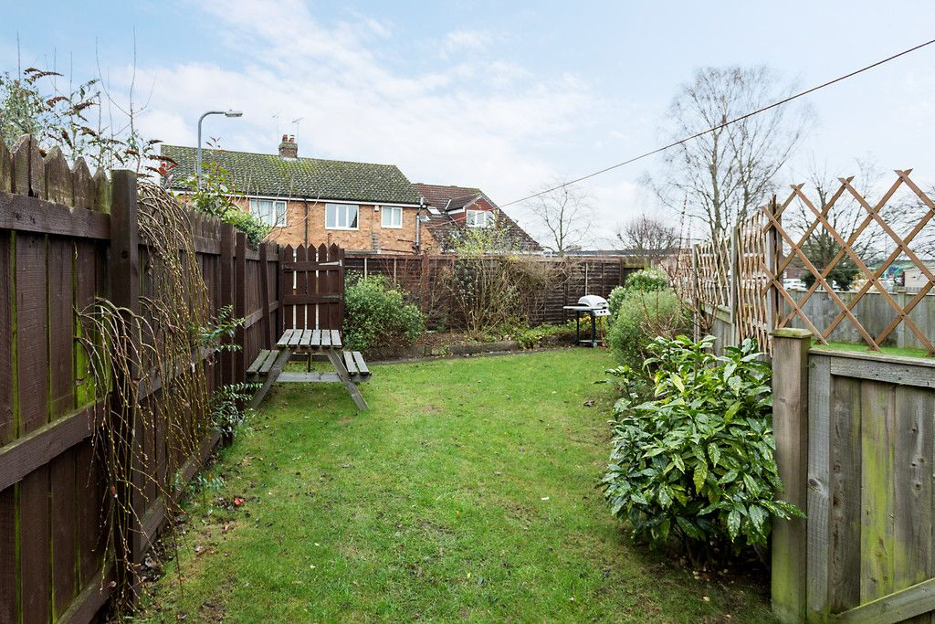 3 bed flat for sale in Queens Gardens, Tadcaster 2