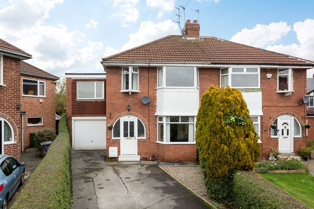 5 bed house for sale in Calcaria Road, Tadcaster, LS24