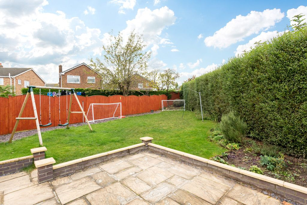5 bed house for sale in Calcaria Road, Tadcaster 10