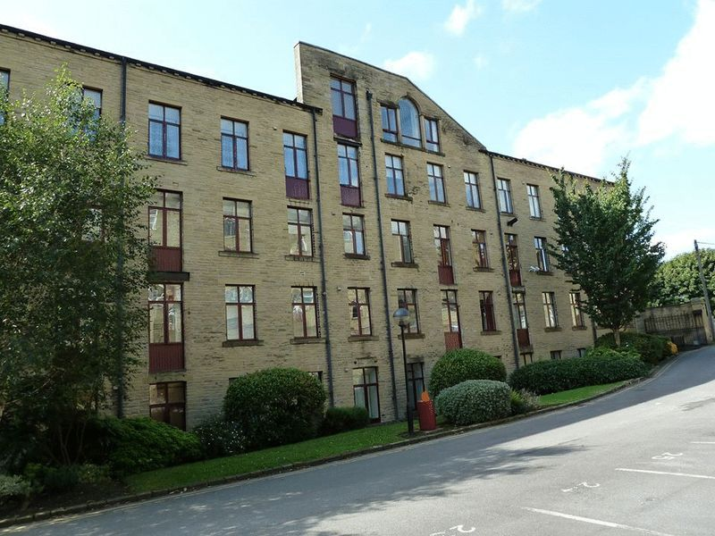 2 bed Flat to rent on Garden Mill