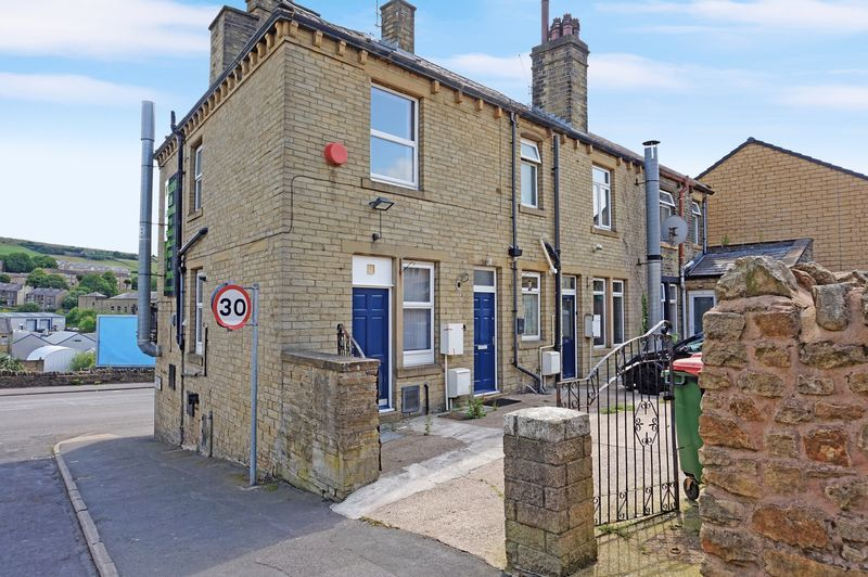 3 bed house for sale in Ovenden Road  - Property Image 1