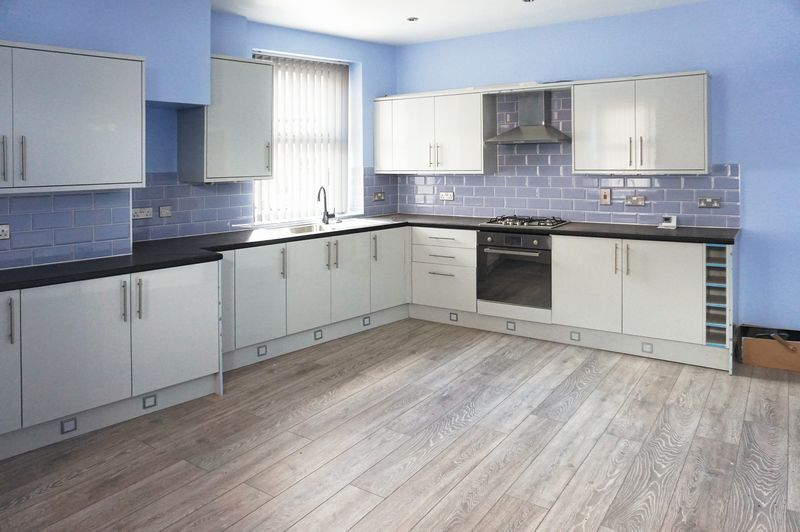 3 bed house for sale in Ovenden Road  - Property Image 2