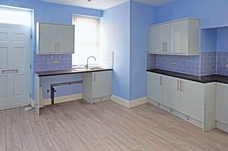 3 bed house for sale in Ovenden Road  - Property Image 3