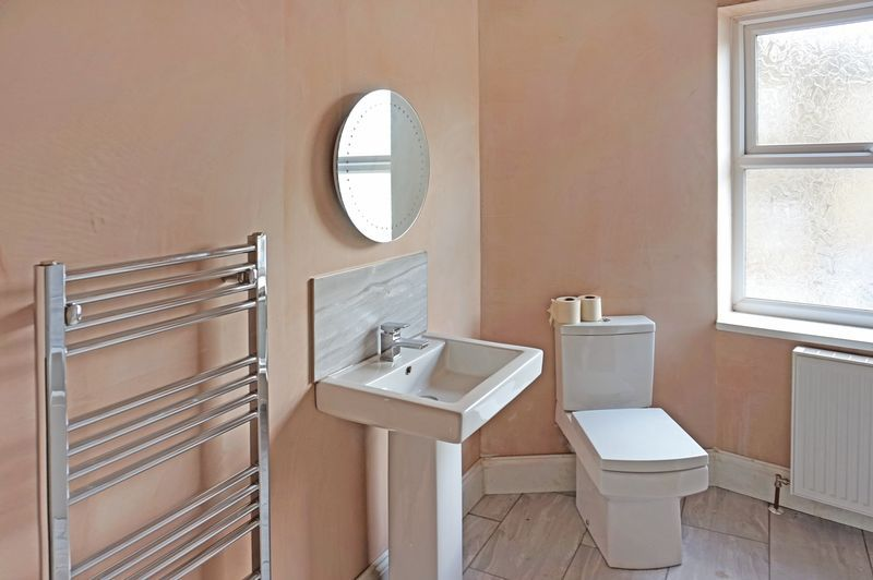 3 bed house for sale in Ovenden Road  - Property Image 5