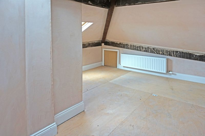3 bed house for sale in Ovenden Road  - Property Image 9