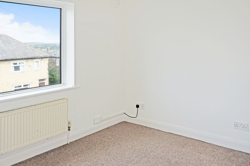 2 bed house to rent in Broadway  - Property Image 5