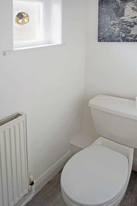 2 bed house to rent in Broadway  - Property Image 7