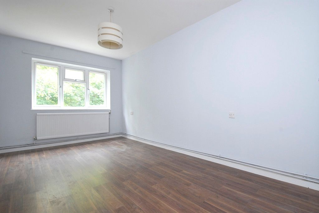 1 bed flat to rent in Ravensbourne Avenue, Bromley 5