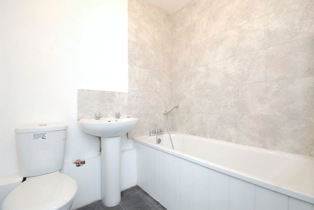 1 bed flat to rent in Ravensbourne Avenue, Bromley 6